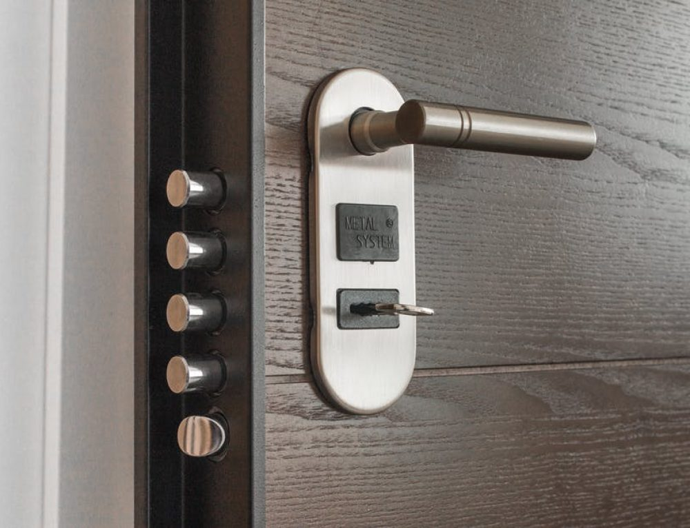 Be guided when you Hire a Locksmith: Read this