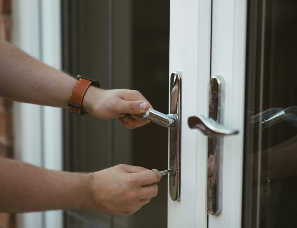 2-minute method to solve your Locked Out Situation